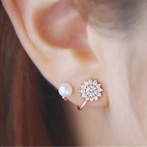 Jewelry - Just in. Pretty pierced earring silver w pearl